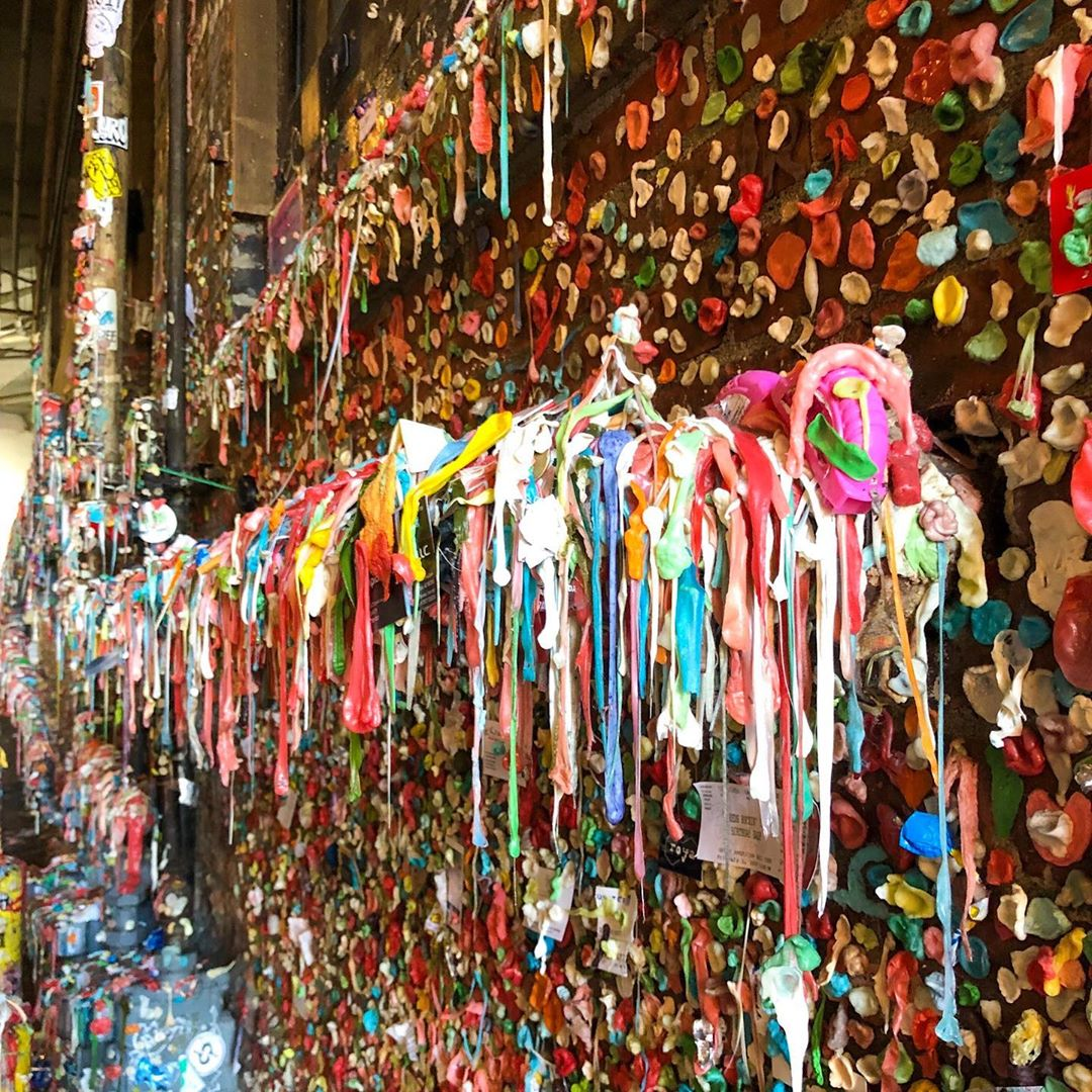 Ok, it is a bit gross, but the Gum Wall just outside the Public Market is really cool to pay a visit. And the alley smells very sweet too ?